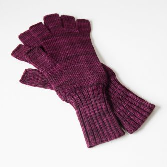 Bar Island Fingerless Gloves - aubergine