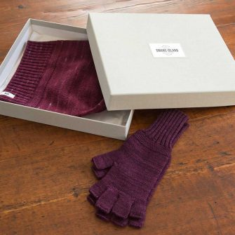 Bar Island hat and mitts in linen gift box