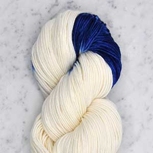Dip Dye yarn swatch - natural and French blue