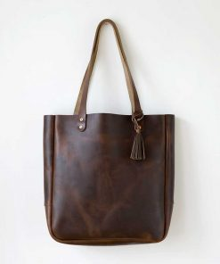 Joppa Leather Tote - hanging