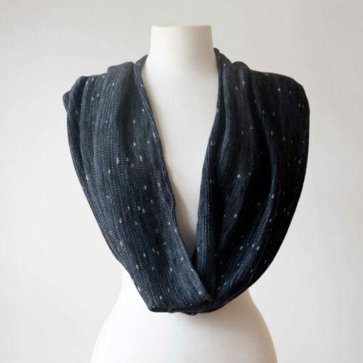 Swans-Island_Firefly-Knit Infinity Scarf in_Onyx