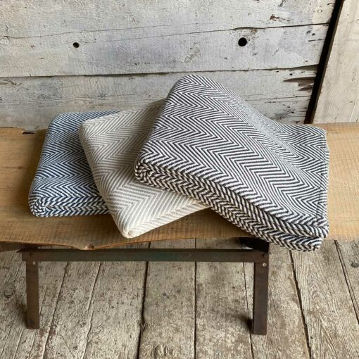 Swans-Island_Seaside-Throws. Classic style woven in Maine with 100% American cotton