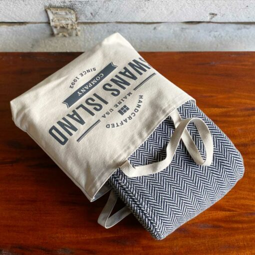 Swans-Island_Belfast-Blankets_100% Cotton blanket woven in Maine, come in a Swans Island canvas tote bag.